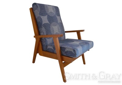 Contemporary Timber TV Chair With Armrests Tapered Legs And Upholstered Seat