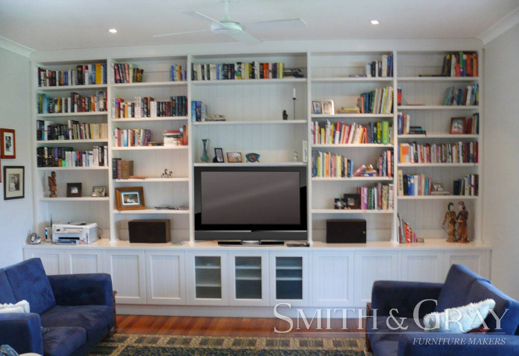 White built in bookcase with panel feature and glass doors  : white built in bookcase with panel feature and glass doors 1020x700 from www.smithandgray.com.au size 1020 x 700 jpeg 134kB